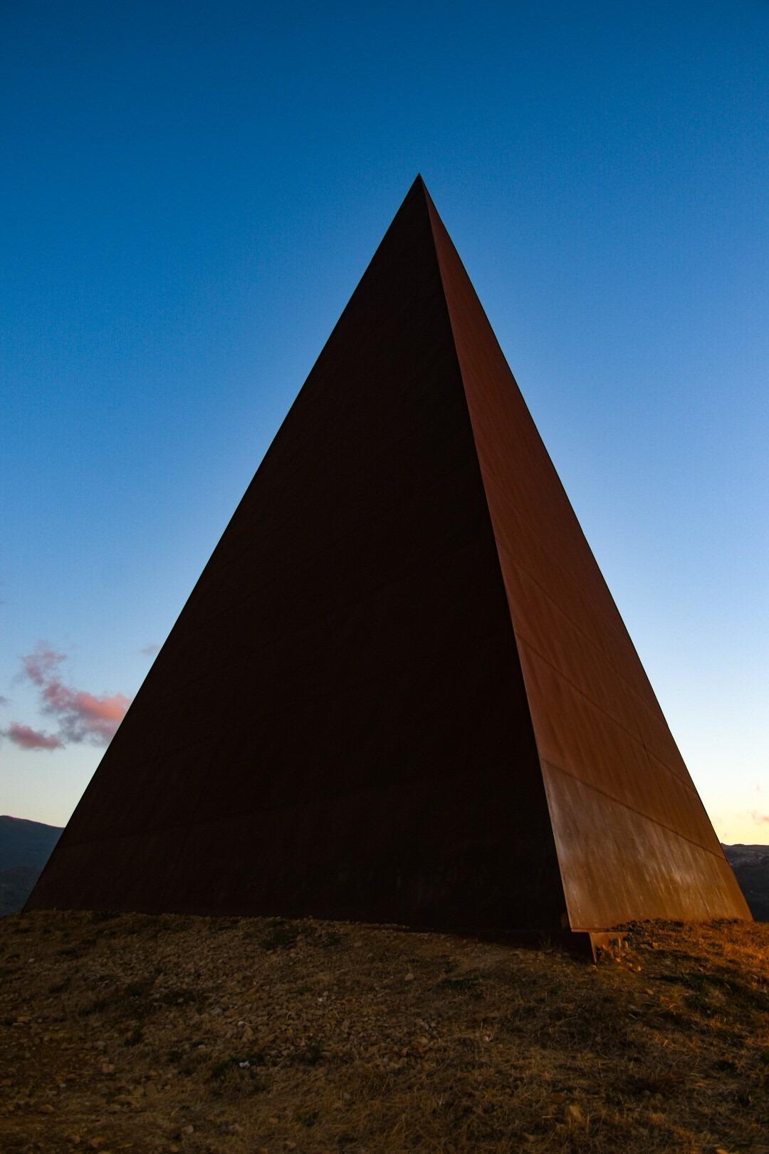 piramide2-1602421905.jpg